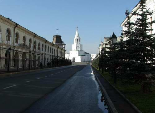 Kazan Kremlin photos - Kremlin Street photo