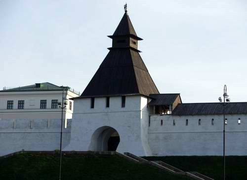 Kazan Kremlin photos - Preobrazhenskaya Tower photo